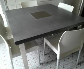 Table repas avec inclusion inox